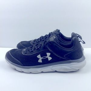 Boys Under Armour Running Shoes Size 7Y
